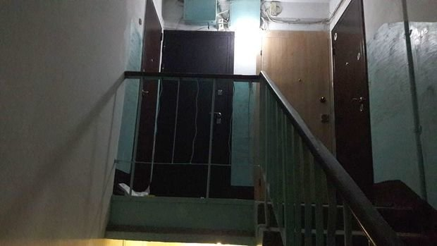 Двое мужчин вмасках расстреляли вподъезде жителя Казани