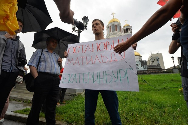 Поединок Урганта иСоловьева перерос в«войну телеканалов»