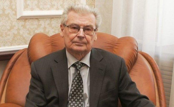 «Он был один из самых известных ректоров России тех лет»: Казань простилась с Александром Коноваловым