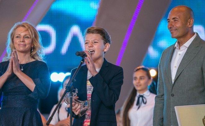 Фестиваль «Добрая волна» сучастием звезд эстрады Российской Федерации прошел вКазани