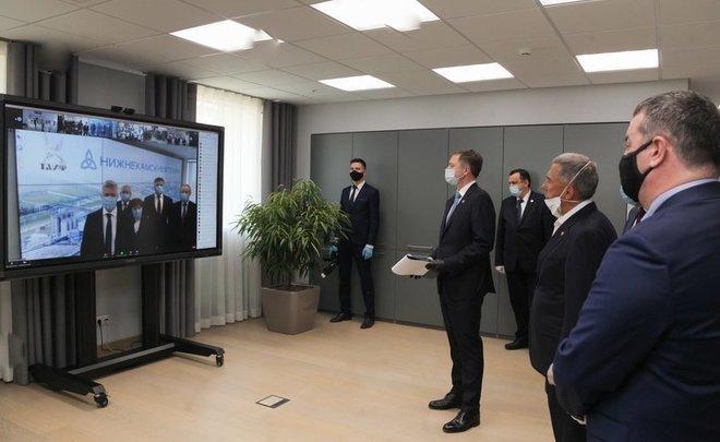 На связи с президентом: как «Нижнекамскнефтехим» отметил профессиональный праздник