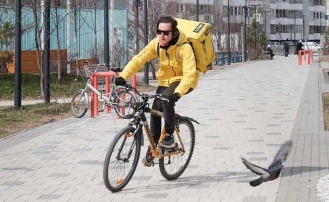 Зато не на работе девушка на велосипеде адель модель