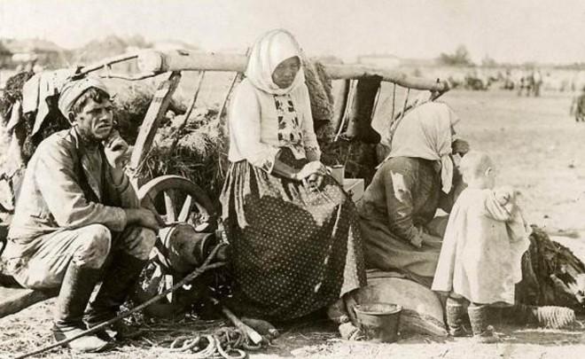 Страшный голод 1920-х: хлеб из лебеды, мешочники и случаи людоедства