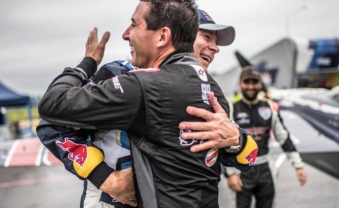 Кирби Чемблисс стал победителем Red Bull Air Race — Реальное время