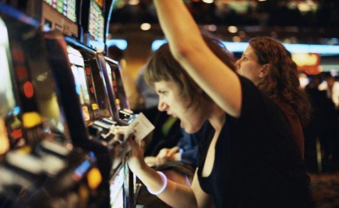 Болезнь зависимость от казино как играть на карте миттенгард