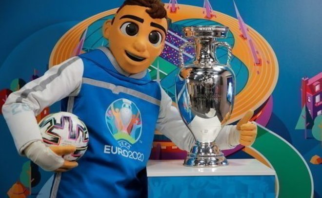 Евро-2020 стартует сегодня! Почему турнир носит прошлогоднее название, кто фавориты и какие шансы у России?