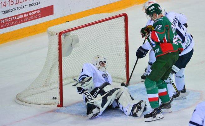 «АкБарс» отправил три шайбы вворота минского «Динамо»