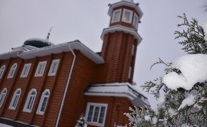 Самая северная мечеть натерритории Российской Федерации открылась сучастием Рустама Минниханова