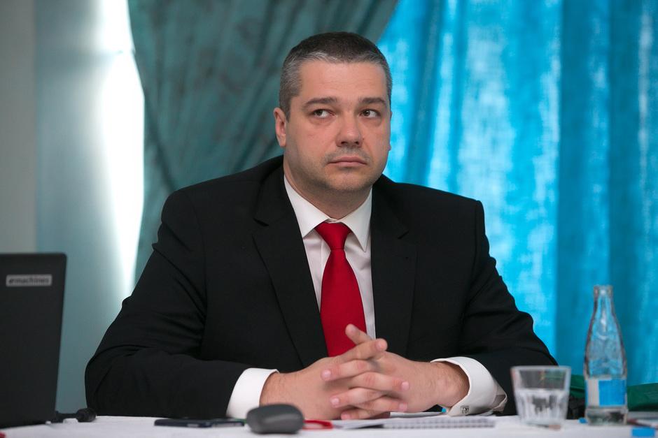 вице президент первого республиканского банка: