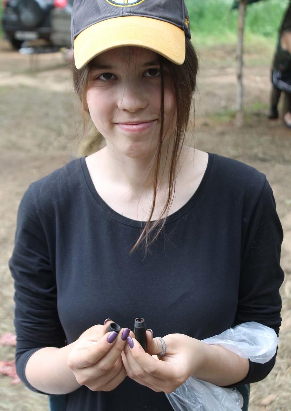 Держит член в руке впервые наманикюренными пальчики фото 122-890