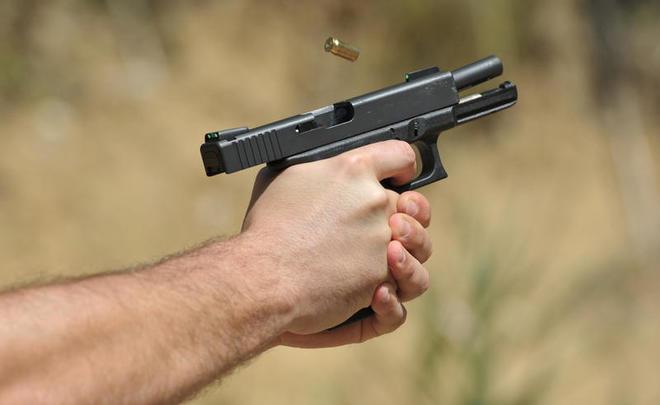ВПетербурге неизвестный стрелял около «Бургер Кинга» наНевском