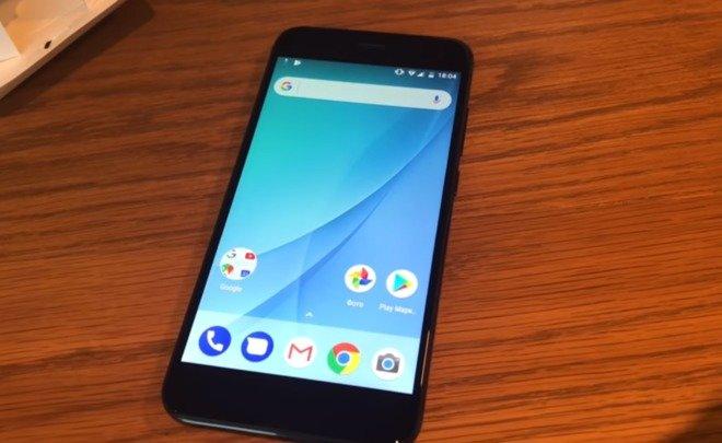 Xiaomi Mi A1 возглавил лучших недорогих смартфонов осени 2017 года