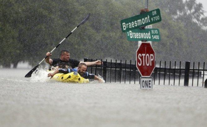 В США число жертв урагана Харви достигло 30 человек и может существенно вырасти