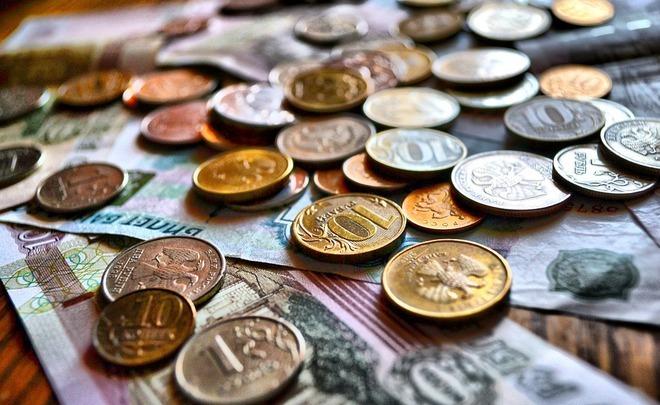 Жители России повально берут новые кредиты, чтобы расплатиться постарым долгам
