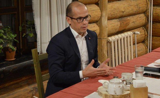 Руководитель Удмуртии Александр Бречалов заработал за2017 год 34 млн руб.