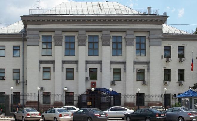 Националисты заблокировали строение Россотрудничества вКиеве