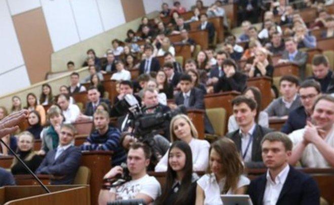 Количество бюджетных мест в университетах Татарстана сокращено