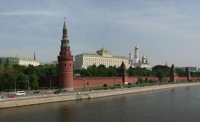 Московский шофёр утопил Land Cruiser, проверяя его проходимость