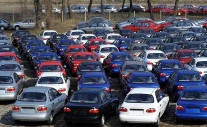 Выпуск легковых машин вРФ увеличился замесяц практически на13%