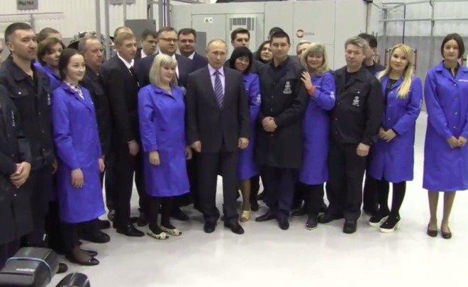 Владимиру Путину вУфе показали изготовление узлов для вертолетных моторов