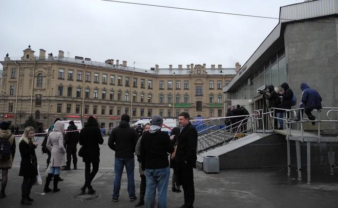 СКР сказал о задержании 8 человек пофакту теракта вметро Петербурга