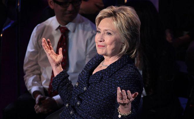 Республиканцы обвиняют Клинтон визмене запередачу информации противникам