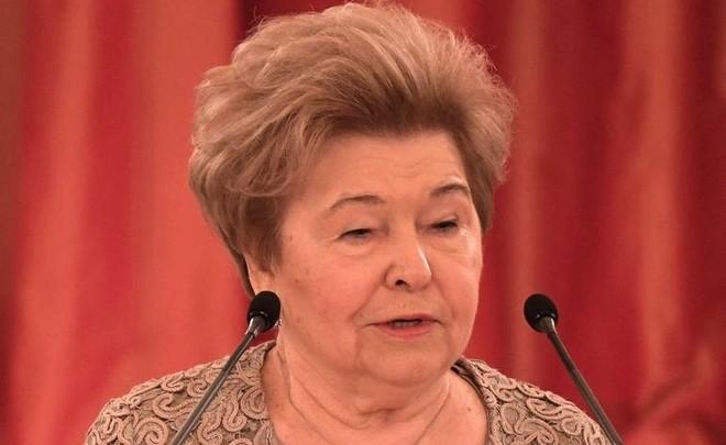 Наина Ельцина предлагает считать девяностые годы святыми