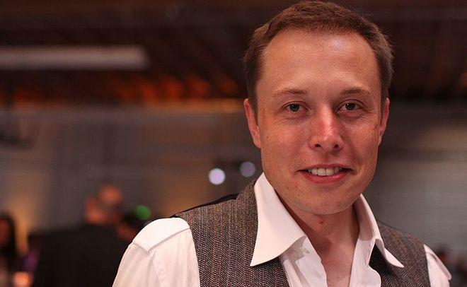 Илон Маск создал компанию для работы над концепцией соединения человеческого мозга с компьютером