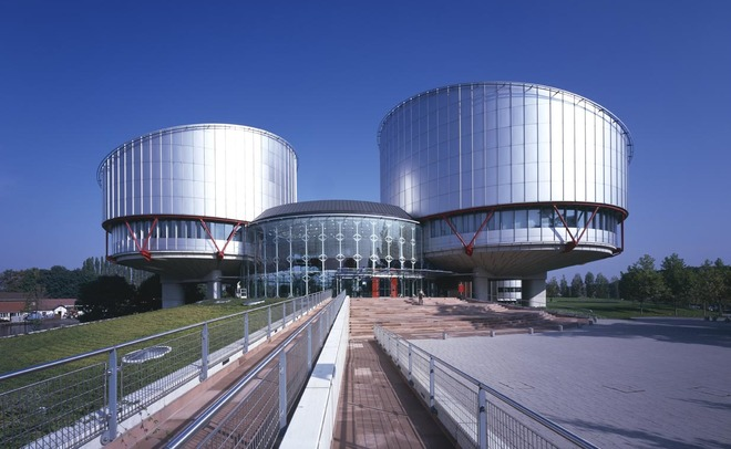 ЕСПЧ признал незаконным запрет американцам усыновлять детей изРоссии