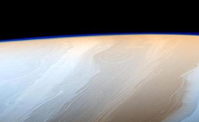 Ученые: Cassini начал спуск ватмосферные слои Сатурна