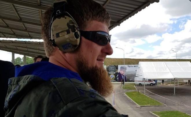 Кадыров запретил выпускные вечера вшколах Чечни