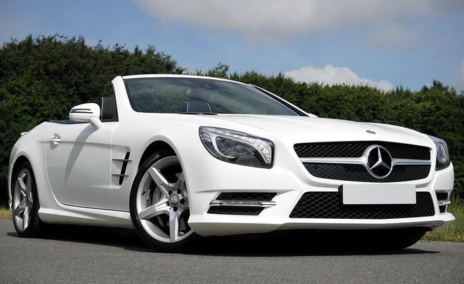 Benz назван самым прибыльным брендом на рынке автомобилей РФ