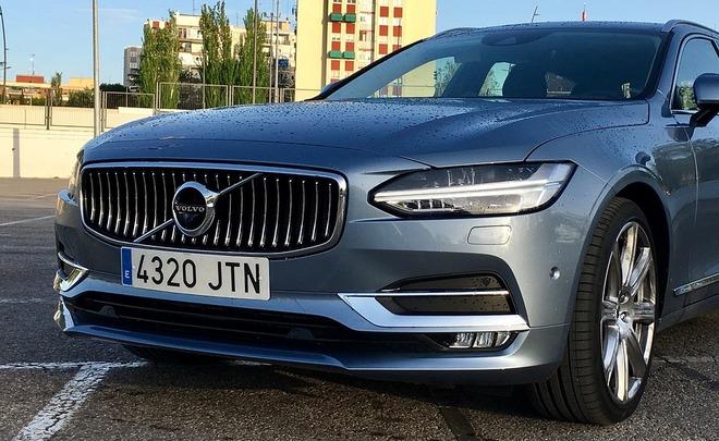 Volvo прекращает отношения с российским дилером Независимость