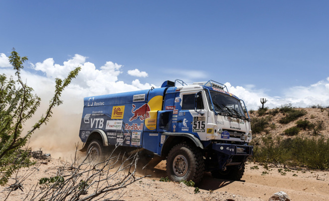 Экипаж Николаева из команды КАМАЗ-мастер выиграл 11-й этап Дакара в зачете грузовиков