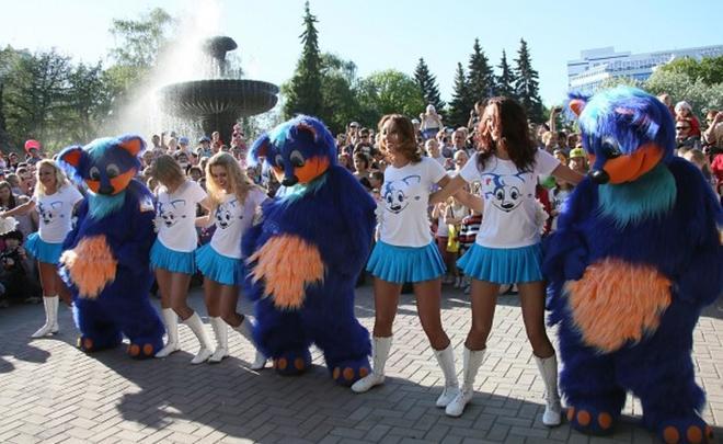 Из-за надвигающегося шторма вКазани решили перенести парад ростовых кукол