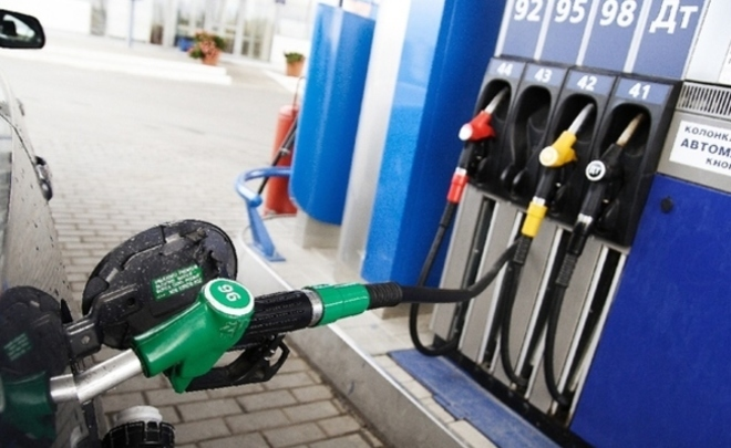 Бензин в областях подорожал до50 руб.