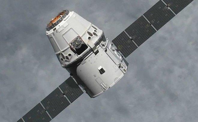 В США приводнился космический грузовик Dragon с грузами с МКС