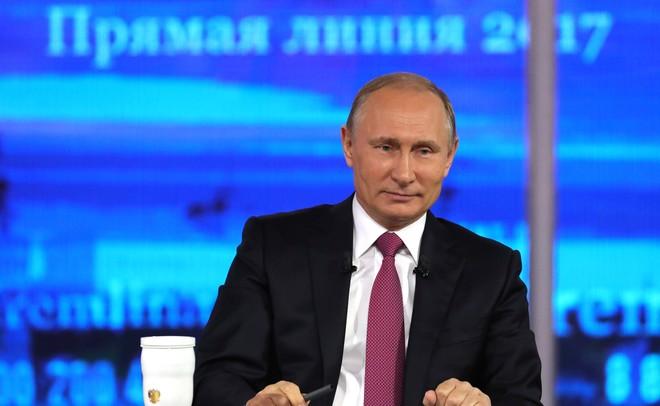 Путин несогласен сутверждением, что страна находится «наручном управлении»