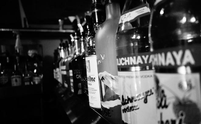 Доля водки среди проданного в РФ алкоголя увеличилась до38,9%