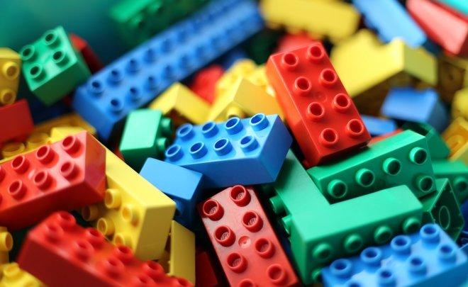 Умер владелец сетей Lego Samsung и Nike