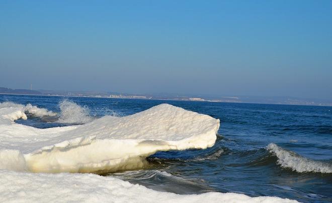 Порядка 20 рыбаков забрало нальдине вОхотское море вблизи Сахалина