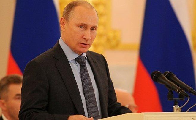 Опрос: две трети граждан России хотят видеть В.Путина президентом в 2018