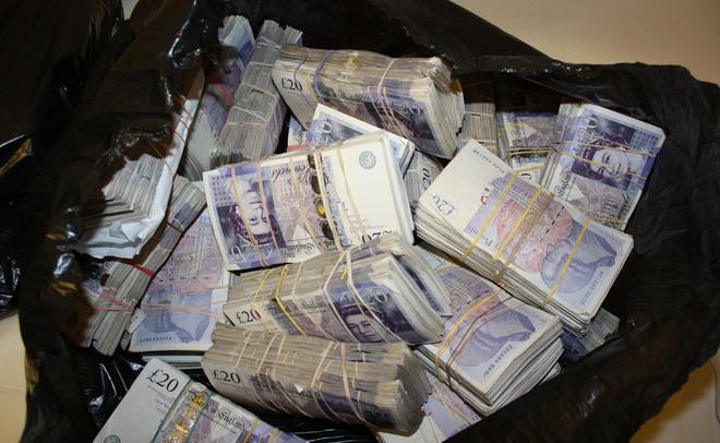 «Новая газета» назвала бенефициаров «молдавской схемы» отмывания денежных средств