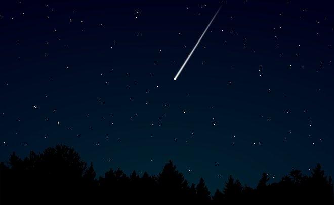 Особо яркую падающую звезду заметили в Японии
