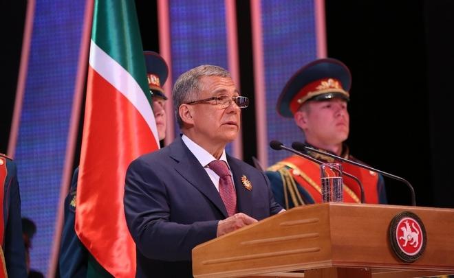Минниханов представил игрокамХК «Акбарс» нового президента клуба