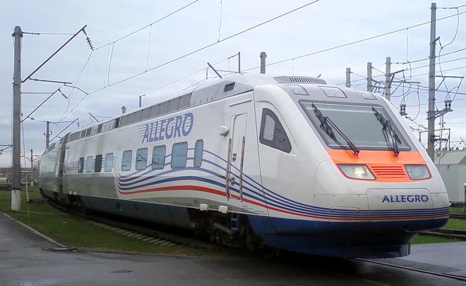 Высокоскоростной поезд «Аллегро» напути изХельсинки вПетербург врезался вдерево