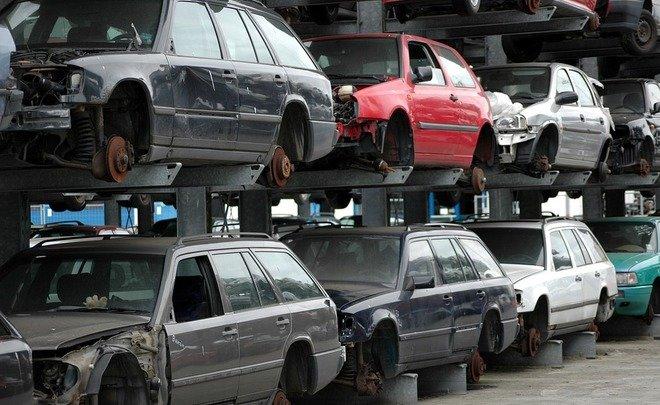 «Коммерсантъ» анонсировал стремительный рост цен намашины в будущем году
