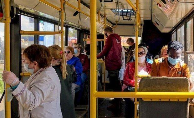 В общественном транспорте Казани выявили более 1,5 тысячи нарушителей масочного режима