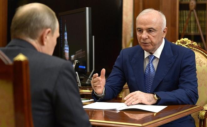 Путин одобрил кандидатуру Кумпилова напост руководителя Адыгеи