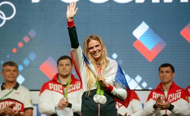 Ефимова поведала, какие унее отношения с североамериканскими пловцами